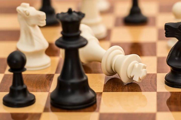 チェス盤の上の駒たち