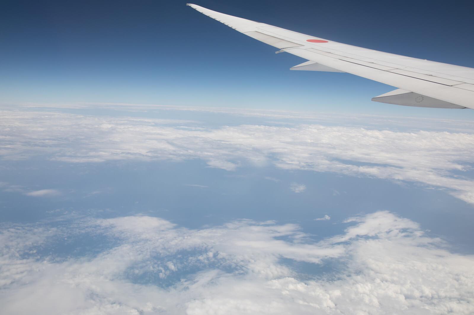 飛行機から見える空